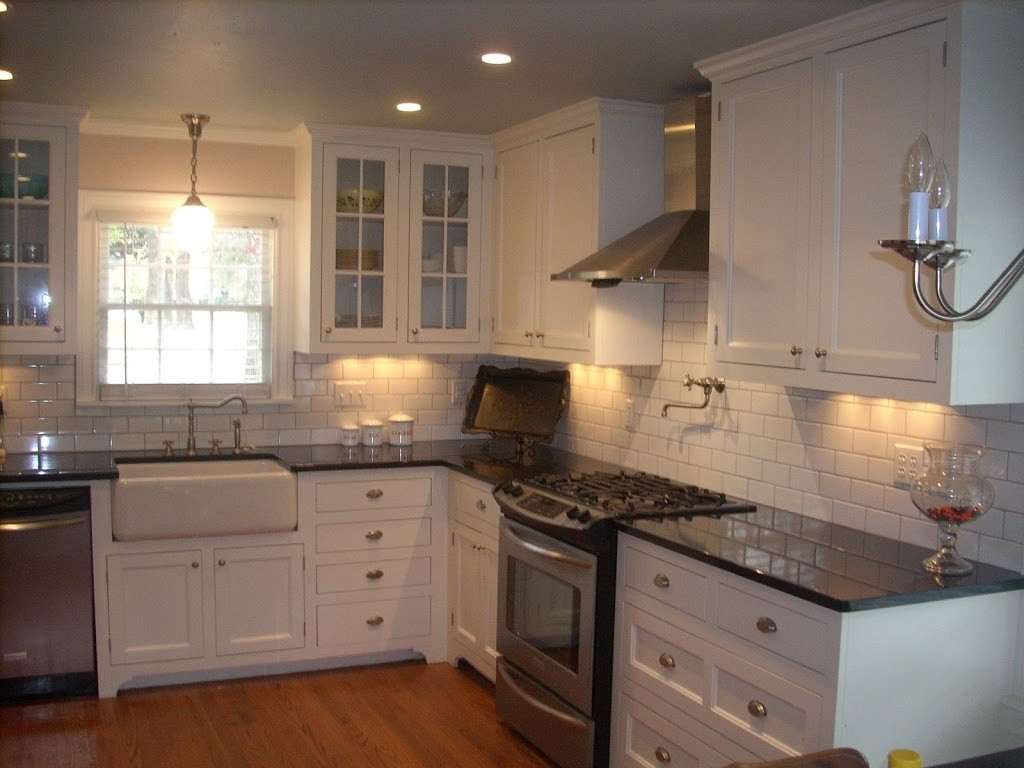 Before and After: My Vintage Kitchen!